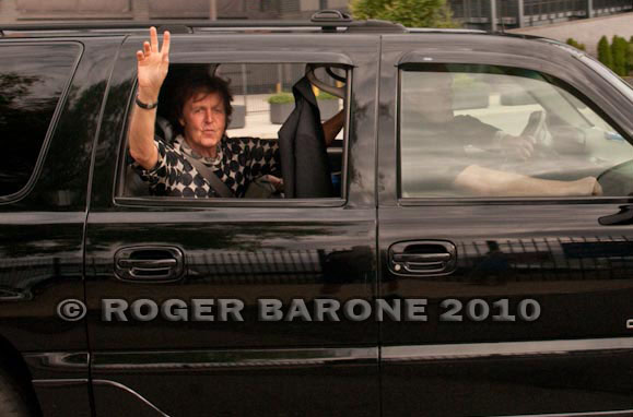 paul mccartney waving